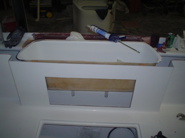 Transom Live well for Tarpon fishing boat